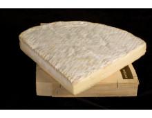 Brie de meaux de leche cruda